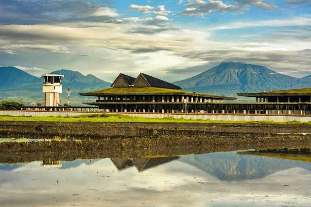 Pemandangan Gunung Bandara Banyuwangi