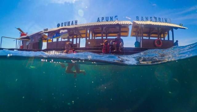 Rumah Apung Bangsring Underwater