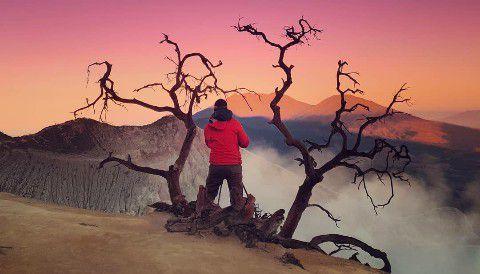 Pendakian Kawah Ijen Sunrise of Java