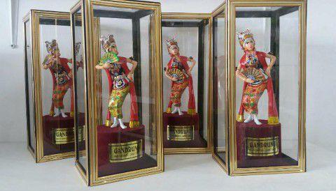 Souvenir Khas Banyuwangi - Gandrung