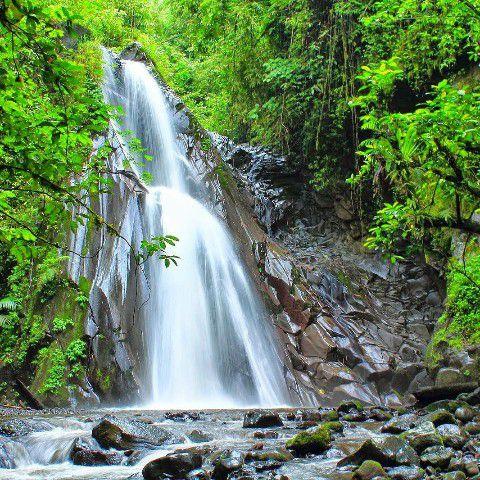 Wisata Banyuwangi Air Terjun Selendang Arum