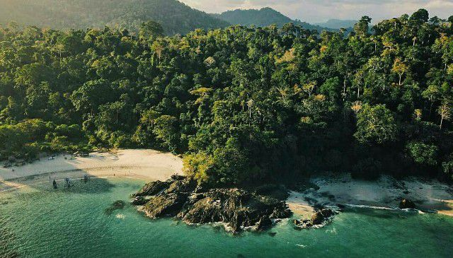 Pantai Wedi Ireng Banyuwangi