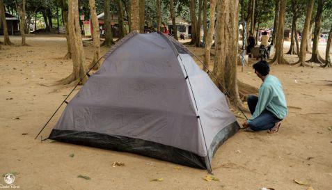 Camping tenda - Pantai Pulau Merah