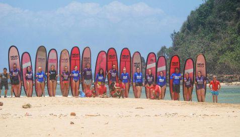 Surfing - Pantai Pulau Merah