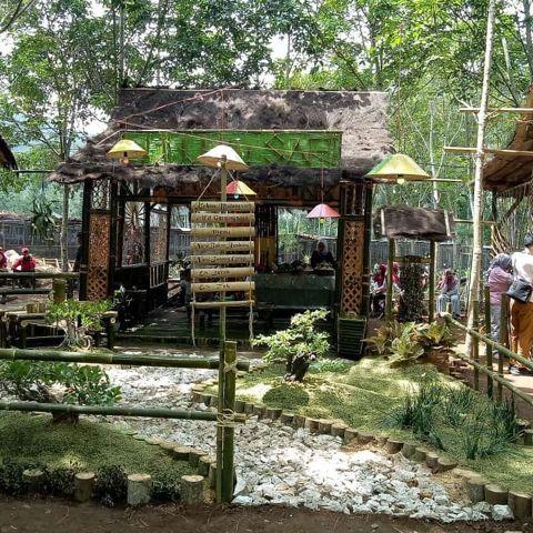 Pasar Tradisional Banyuwangi - Malangsari Coffee Food Market Kalibaru